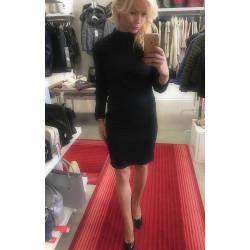 Sukienka Sara mała czarna z półgolfem
