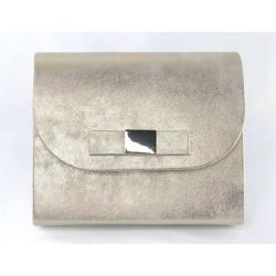 Fuksja lakierowana kopertówka z kokardką SAMI