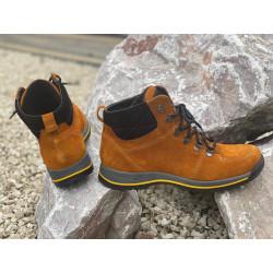 Trekingowe damskie sznurowane czarne skórzane buty 1114