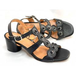 Beżowe sandały na obcasie  skórzane buty Simen 2382